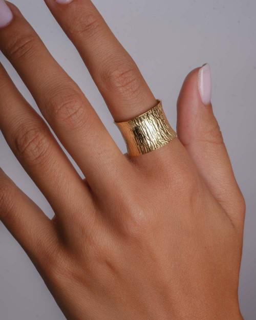 Amare Ring
